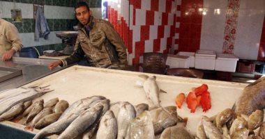 تلوث البحيرات واستمرار مقاطعة الأسماك